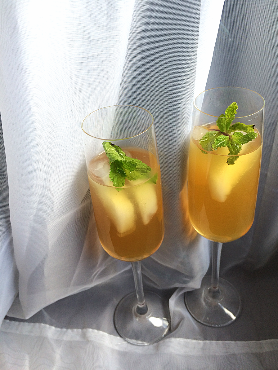 Lemon & Peach Tea Cocktail by Bunny Baubles Blog 6