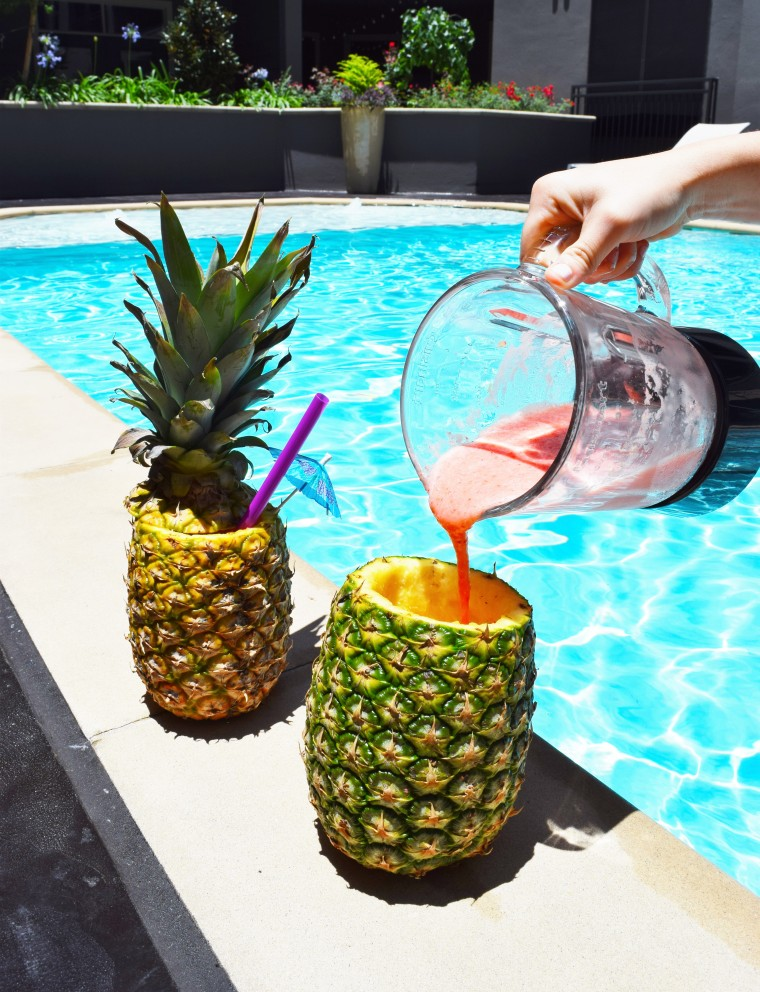 DIY Pineapple Cups with Daiquiri recipe