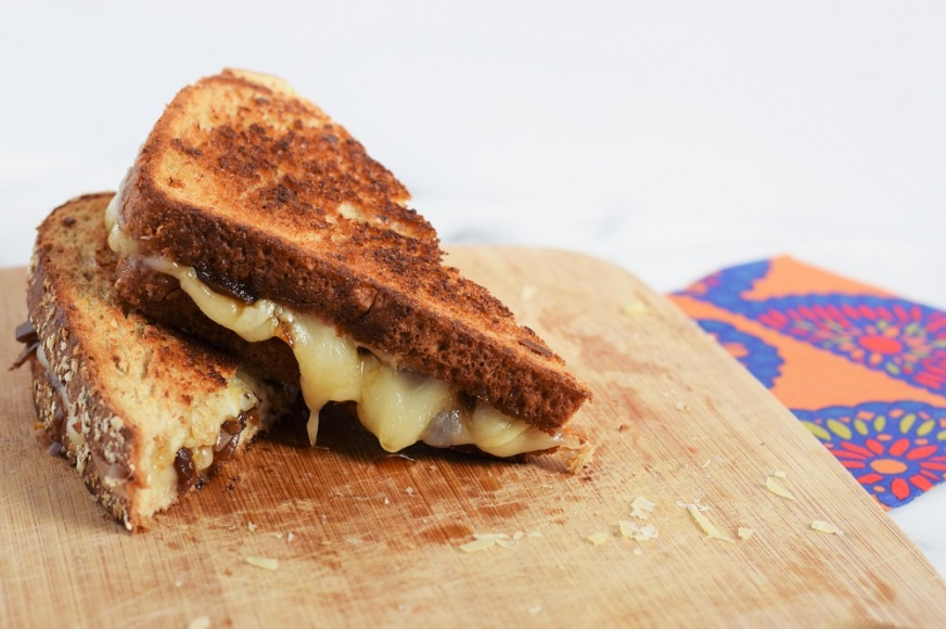 grilled-cheese-with-caramelized-onion-chutney-by-bunny-baubles-3