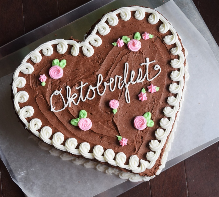 oktoberfest-cookie-cake-by-bunny-baubles-3