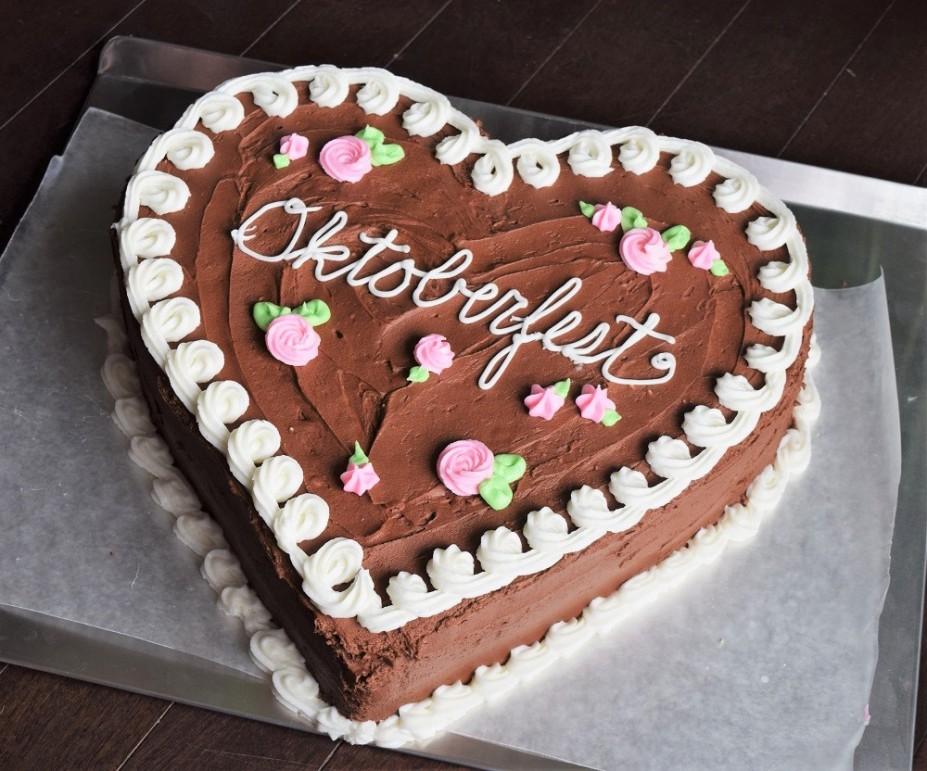 oktoberfest-cookie-cake-by-bunny-baubles-4