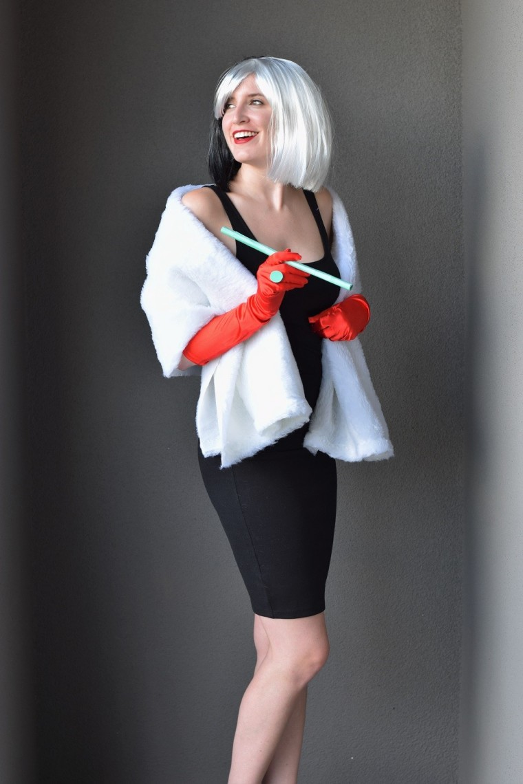 diy cruella deville costume bunny baubles. Black Bedroom Furniture Sets. Home Design Ideas