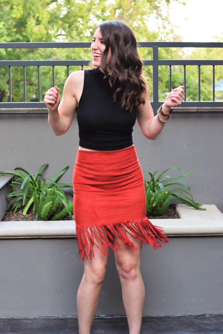 suede-fringe-skirt-diy-by-bunny-baubles-3