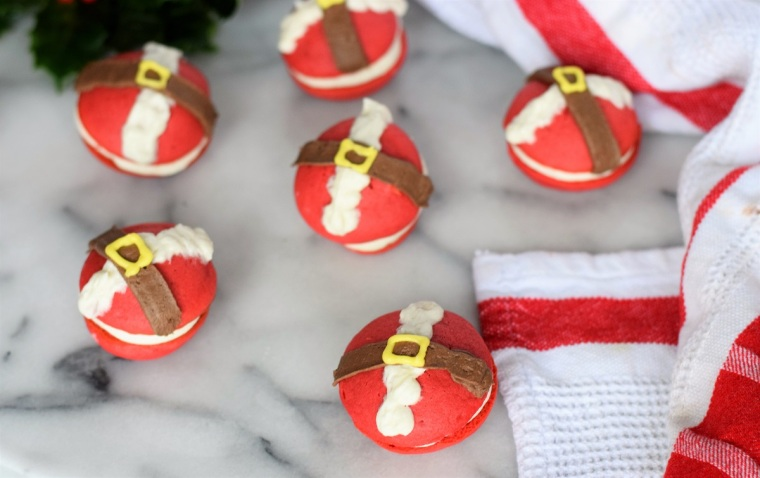 christmas-santa-mini-whoopie-pies-by-bunny-baubles-7