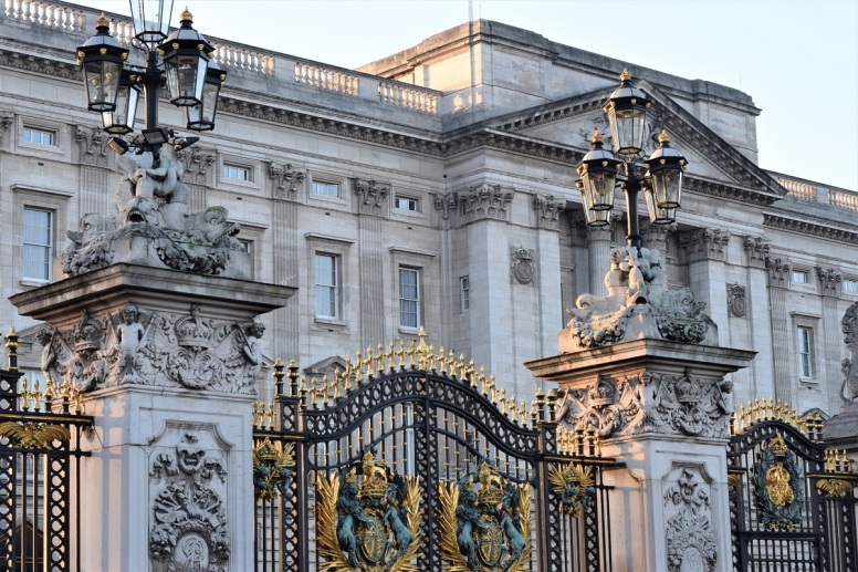 london-travel-tips-by-bunny-baubles-blog-buckingham-palace