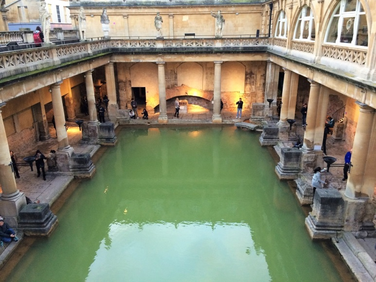london-travel-tips-by-bunny-baubles-blog-roman-baths
