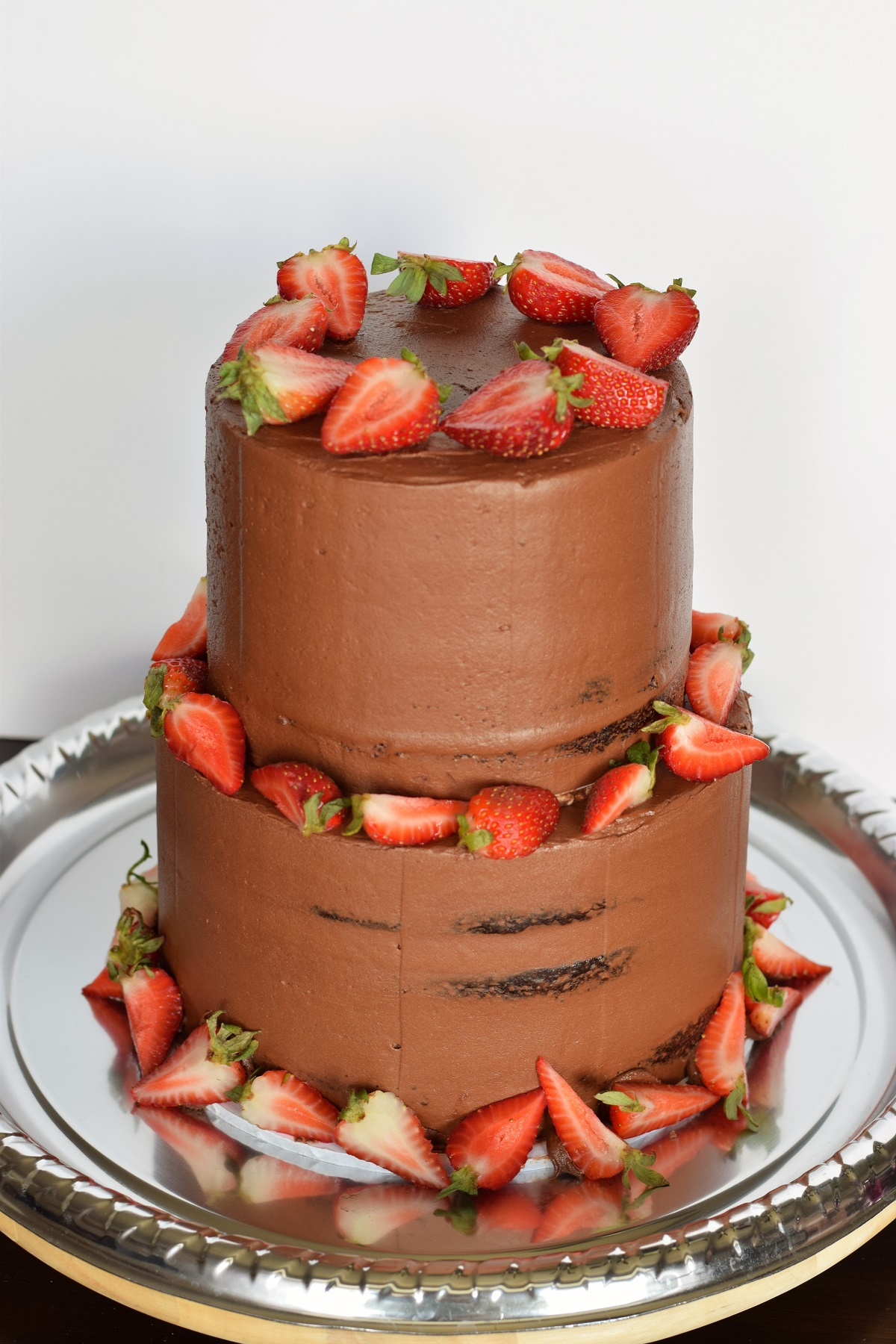 chocolate cake with strawberry filling chocolate wedding cake with strawberry filling bunny baubles 2840